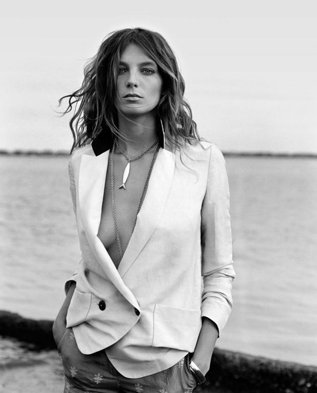 Daria-Werbowy_Cass-Bird_SS-2012_Maiyet