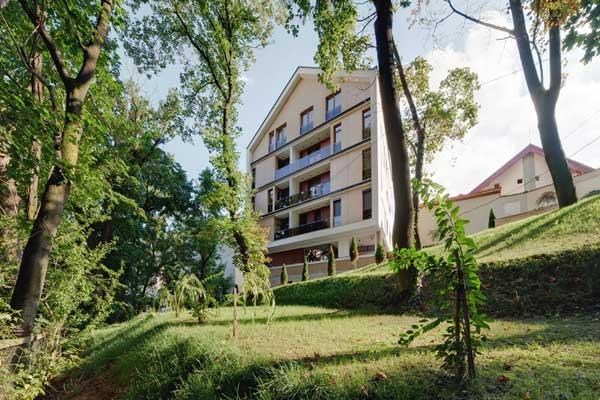 Transparent-Loft-In-Brasov-Romania-22