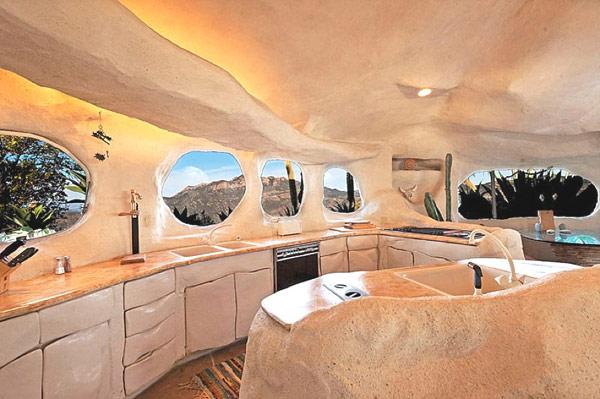 Flintstones-home-Malibu-5