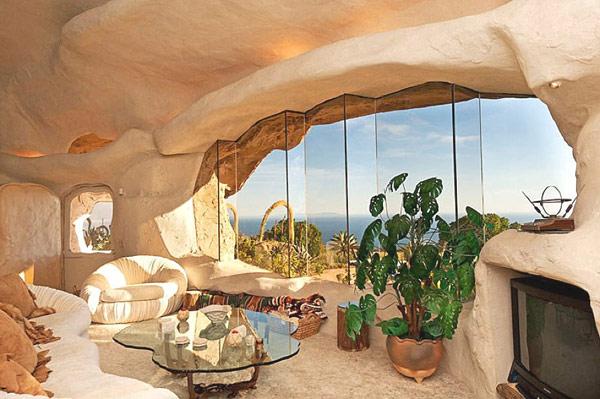Flintstones-home-Malibu-6