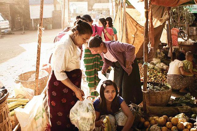 Burma17_CNT_18jun12_MartinMorrell_b