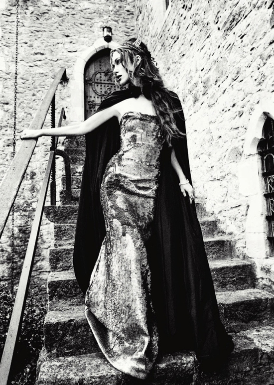 keira-knightley-by-ellen-von-unwerth-for-harpers-bazaar-uk-september-2012-85