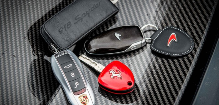 """""""Ironcar"""". McLaren P1, Ferrari LaFerrari, Porsche 918 Spyder."""