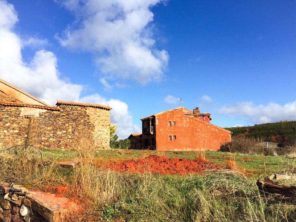 Pueblos Rojos y Negros Segovia