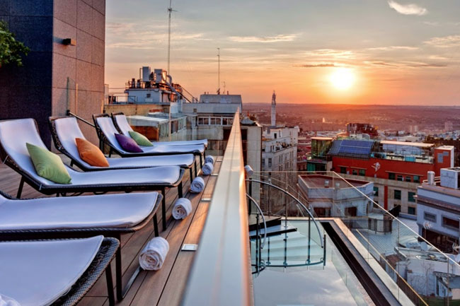 Sky-Lounge-Bar-Hotel-Indigo-Terraza-Madrid-TC